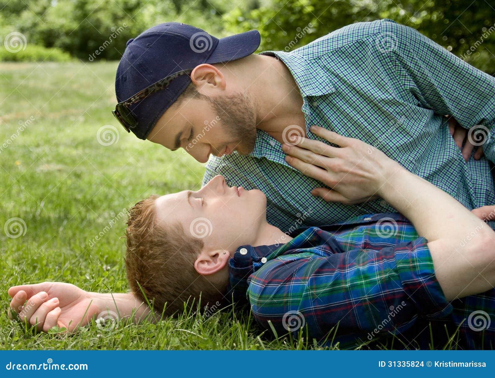 Sinnliche homosexuelle Paare