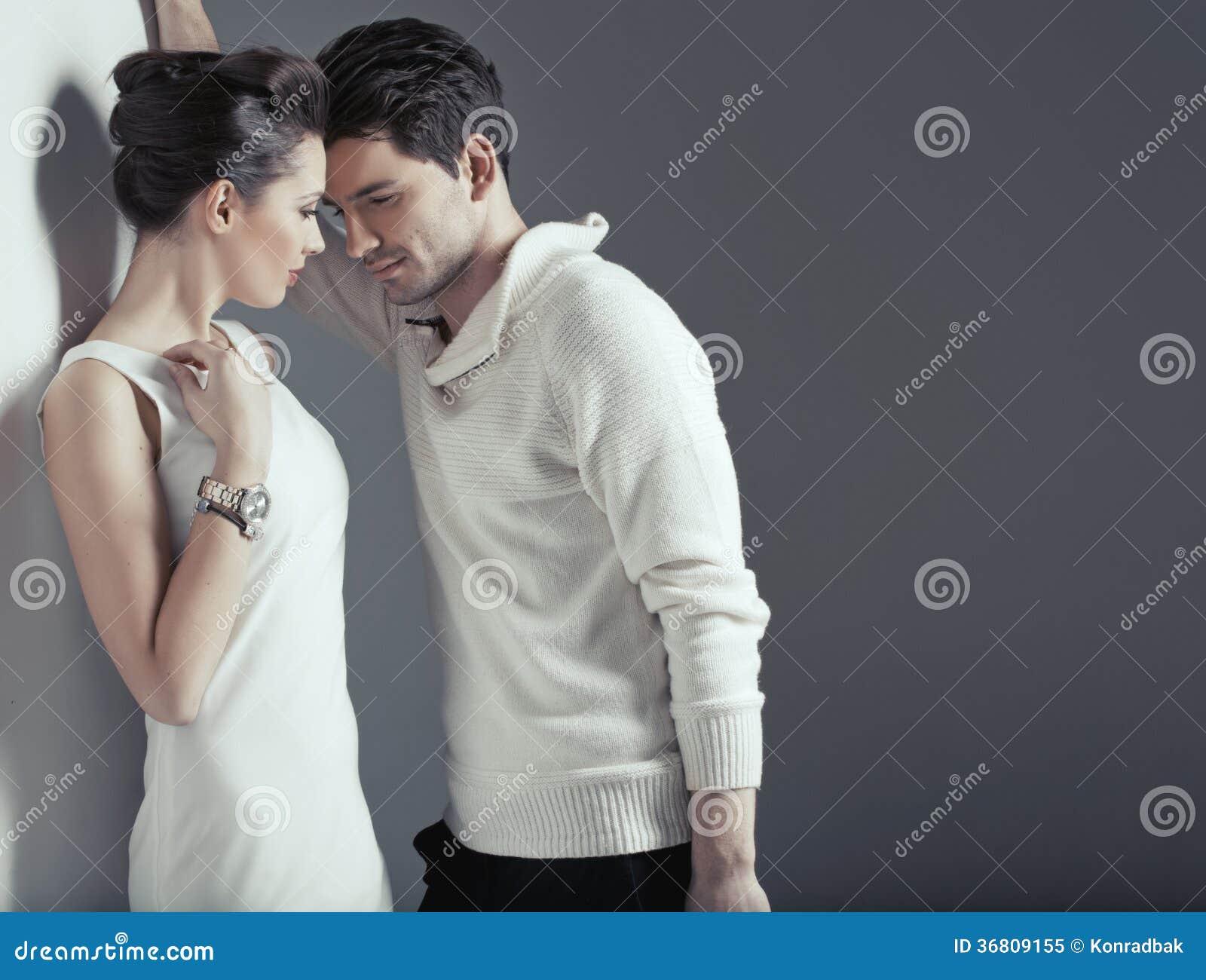 Sinnliche Szene von zwei jungen Liebhabern