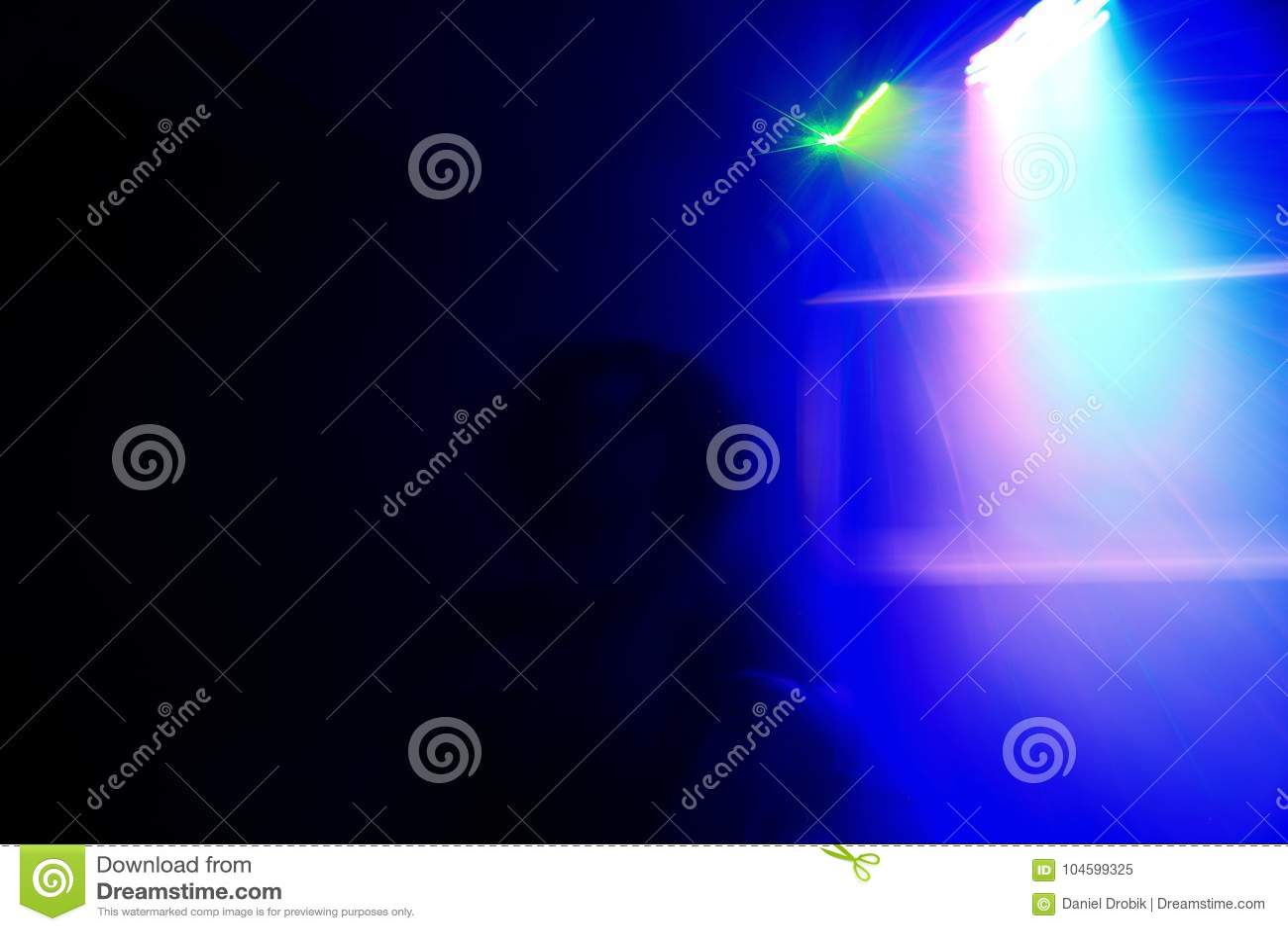 Sinnlig dans i strålkastaren
