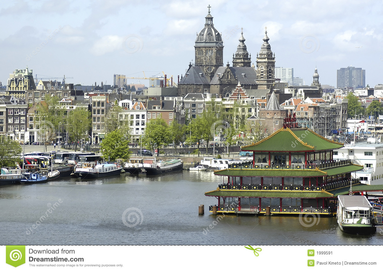 Sint nicolaaskerk amsterdam immagine stock immagine di for Houseboat amsterdam prezzi