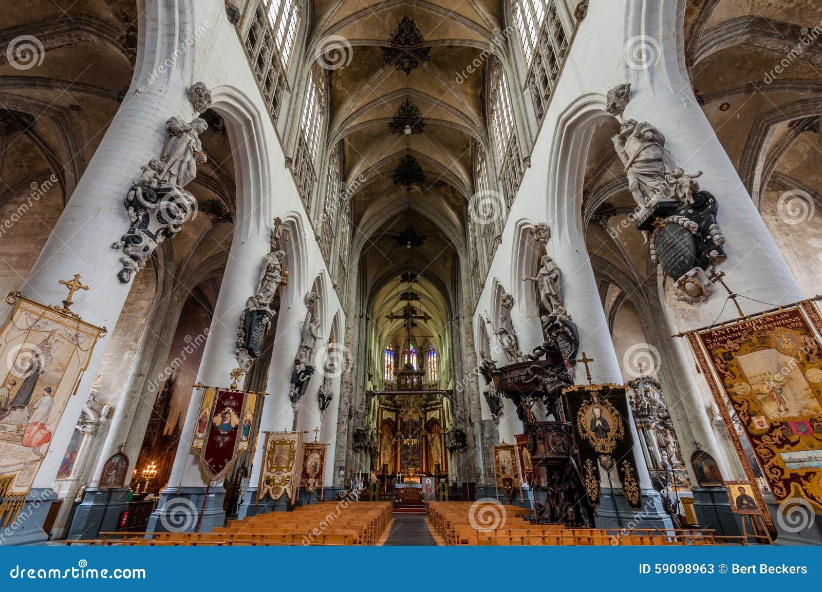 Sint-Sulpitiuskerk intérieur gothique Diest, Belgique