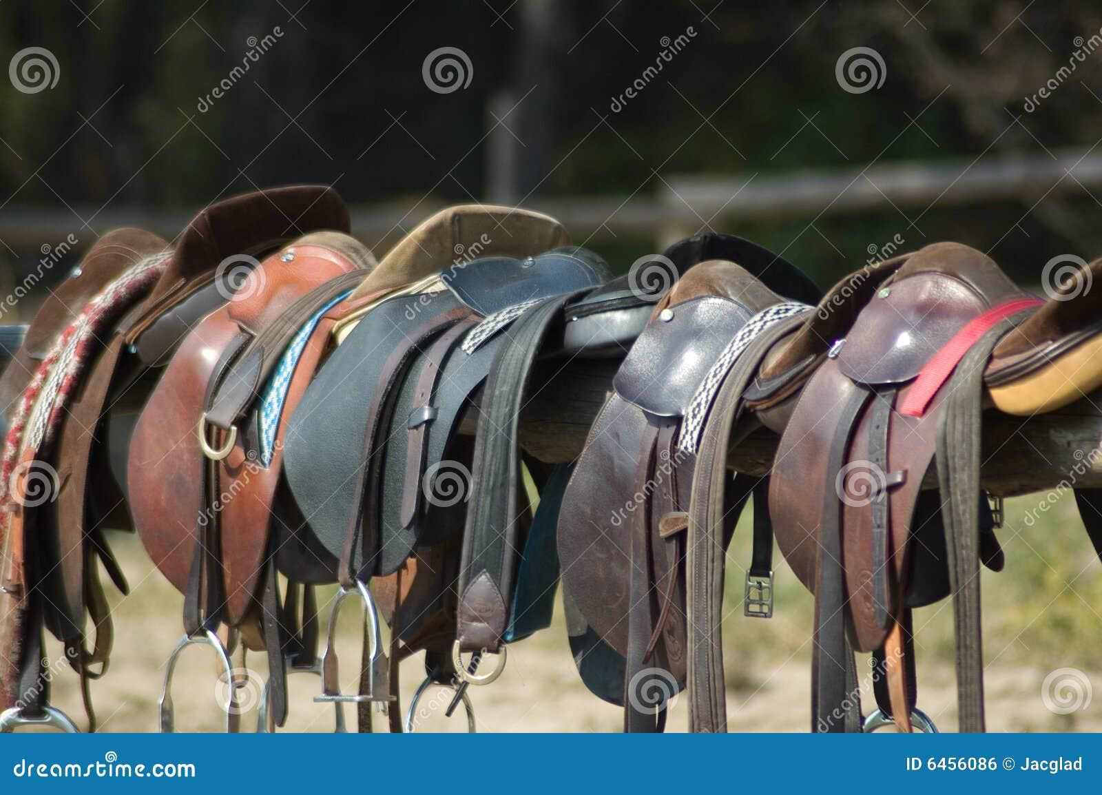 Siodełka końskich