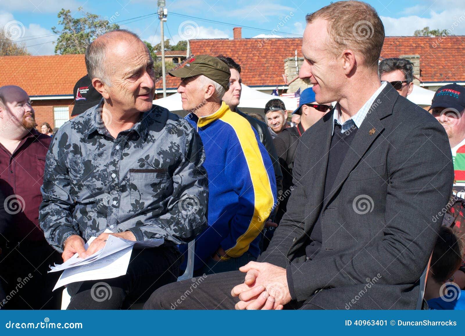 Sir Tony Robinson et Mark Donaldson, VC, Fremantl