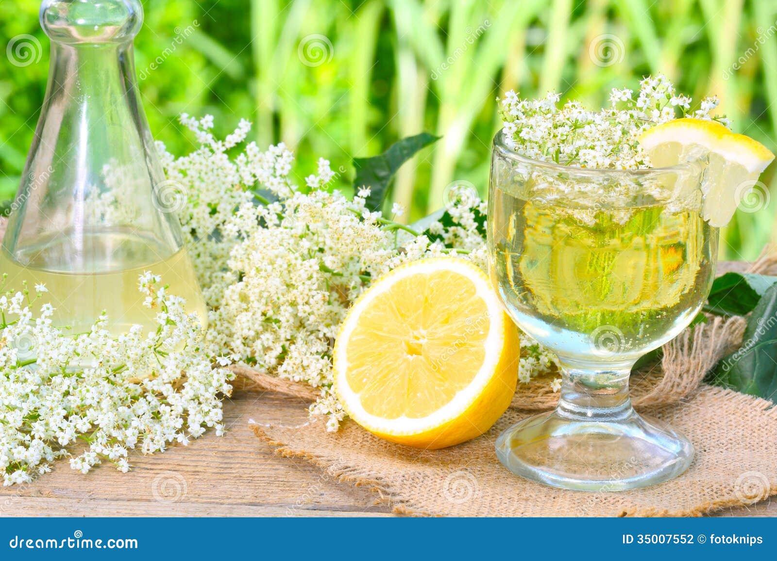 sirop de fleur de sureau photo stock image du boisson 35007552. Black Bedroom Furniture Sets. Home Design Ideas