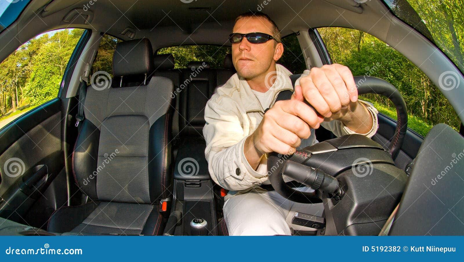Sirva la conducción del coche
