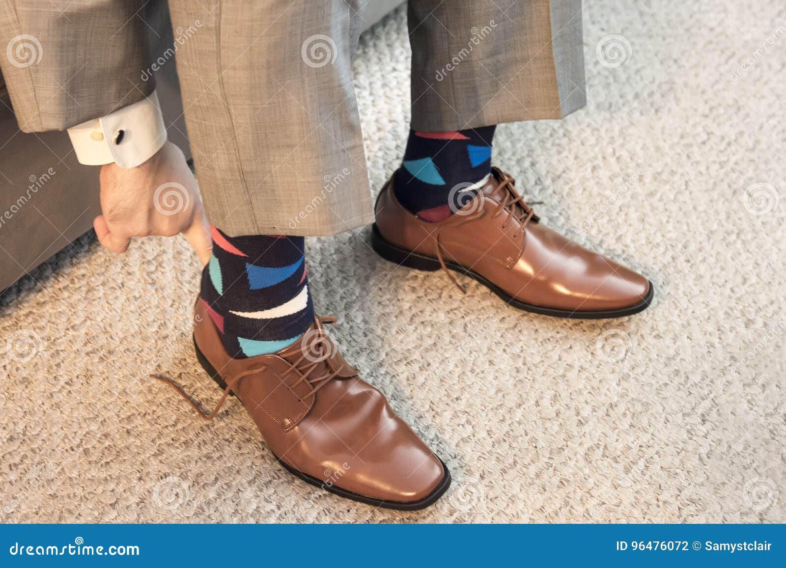 En Vestir Formal Sirva Poner Marrones Desgaste Los De Zapatos Con j3R4L5A
