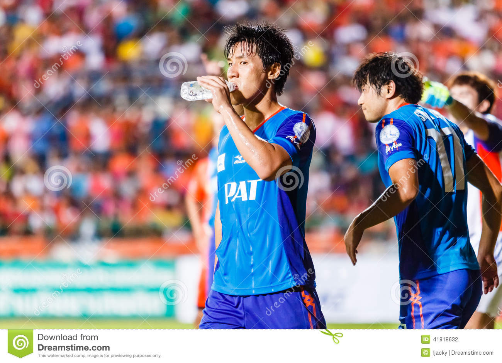 SISAKET TAILANDIA 21 DE JUNIO: Kim Geun-Chul de Singhtarua FC