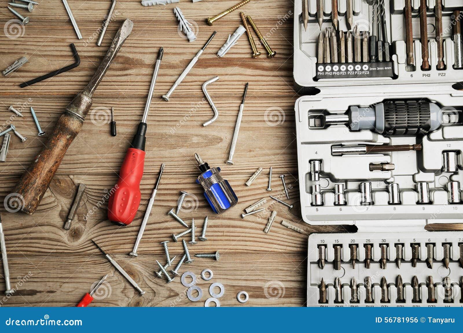 Sistema de herramientas del trabajo en la caja en una - Herramientas de madera ...