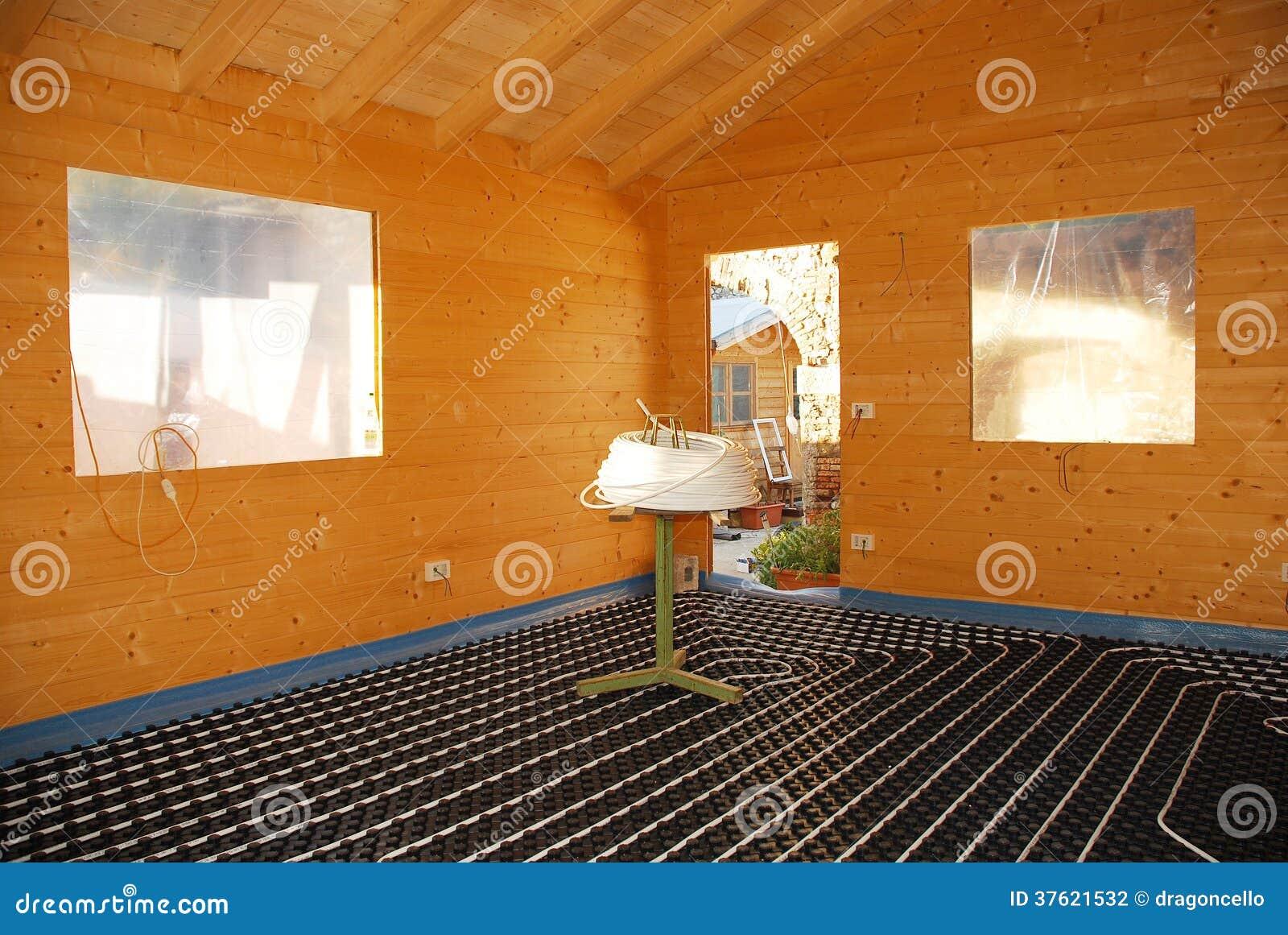 Sistema de la calefacci n por el suelo en casa de madera - Casas de madera por dentro ...