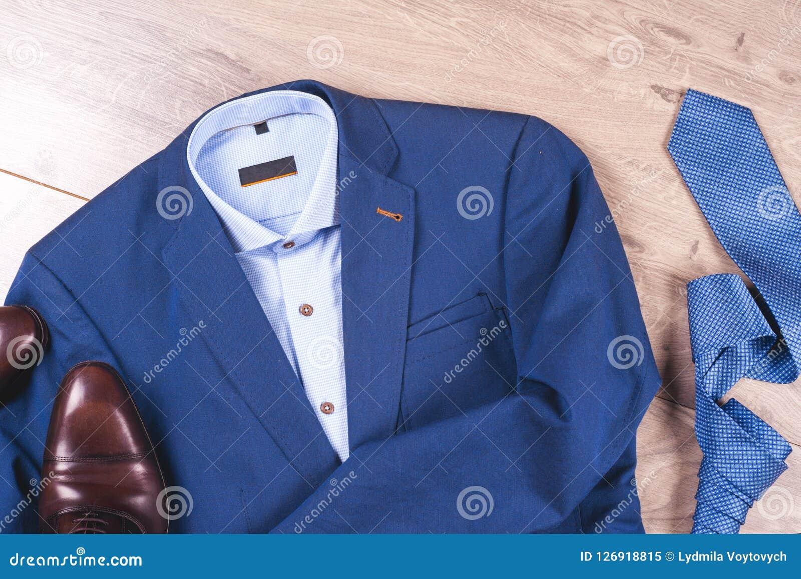 80f818378a2ed Sistema De La Ropa Para Hombre Clásica - Traje Azul