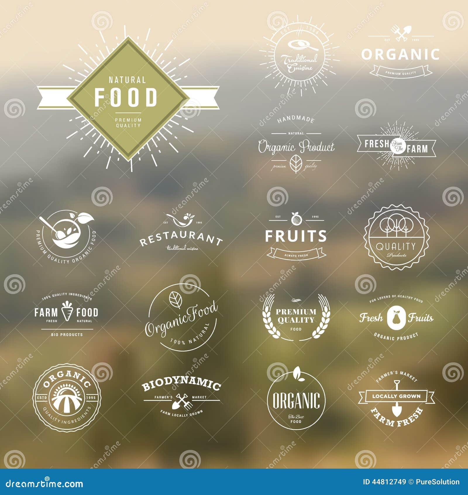 Sistema de los elementos styles del vintage para las etiquetas y de las insignias para la comida y la bebida naturales