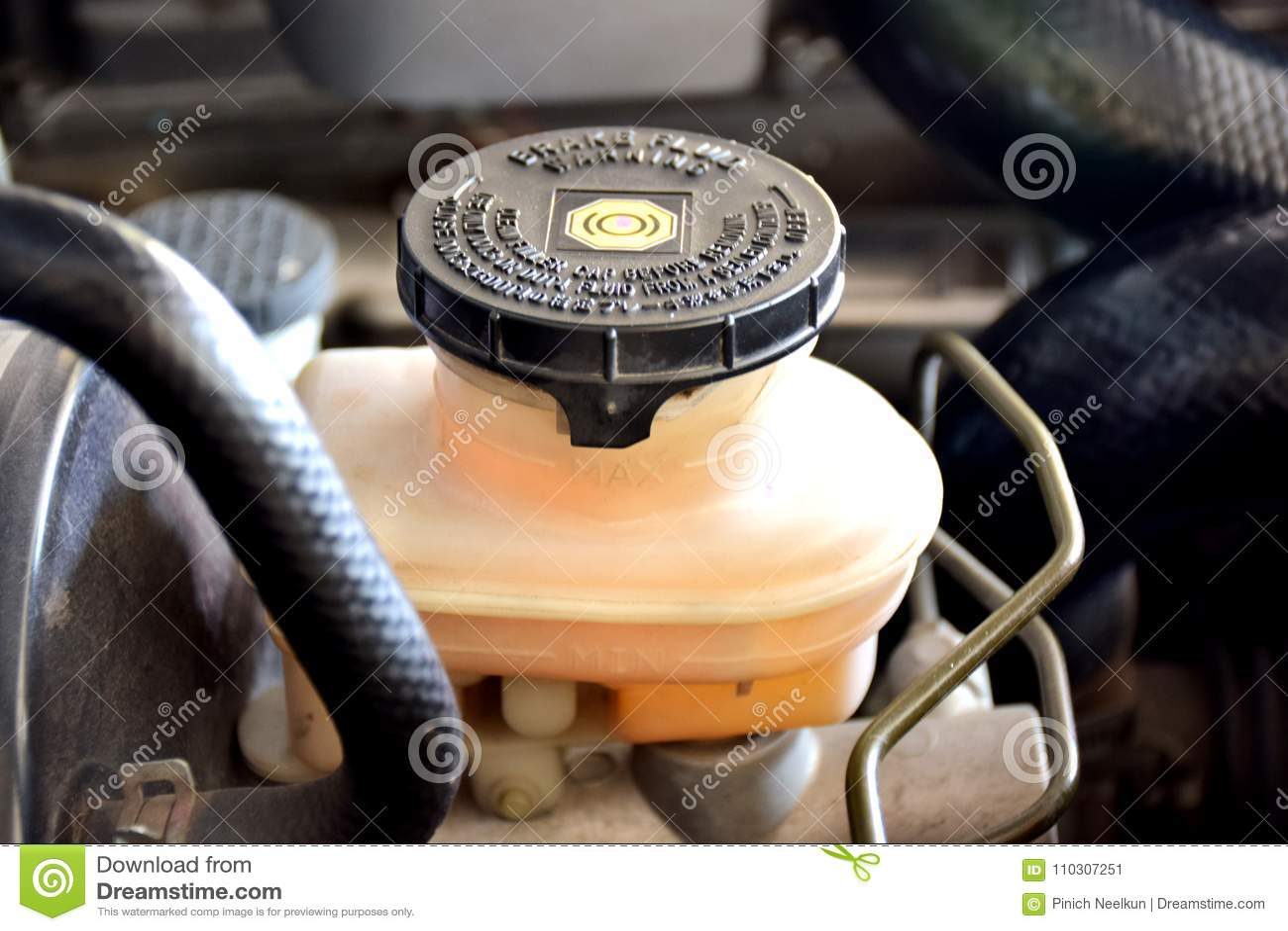 Sistema de vigilância do líquido de freio para os motores diesel, usado mudando/que remove o líquido de freio do carro