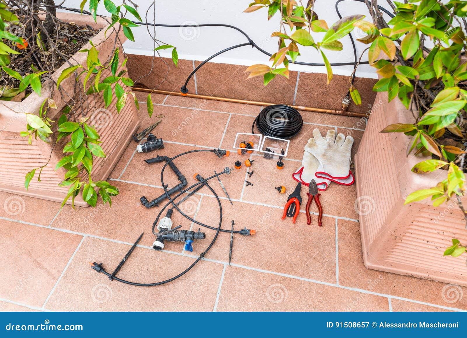 Sistema Di Rame Lussuoso Dell Irrigazione A Goccia Con I