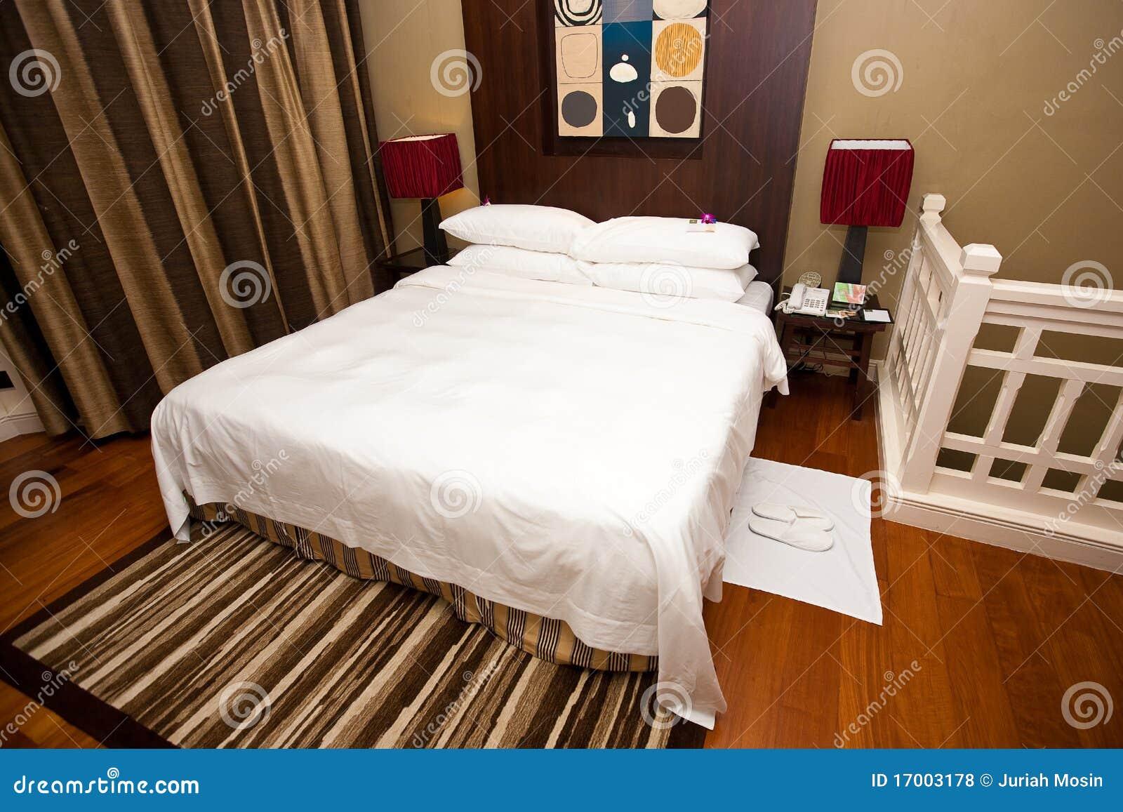 Sistemazione della camera da letto con una stanza da bagno della serie dell 39 en fotografia stock - Insonorizzare stanza da letto ...