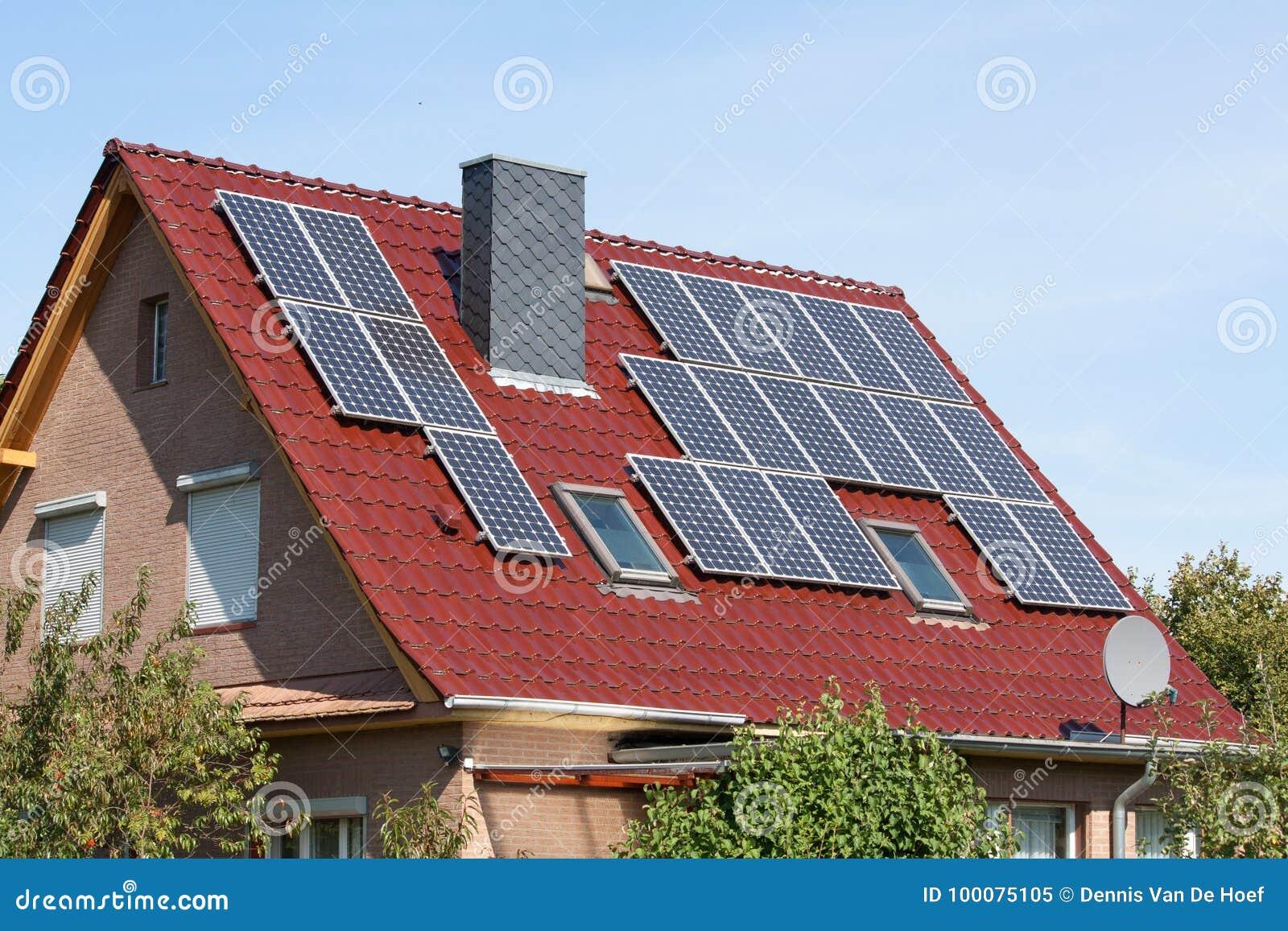 Sistemi solari su un tetto