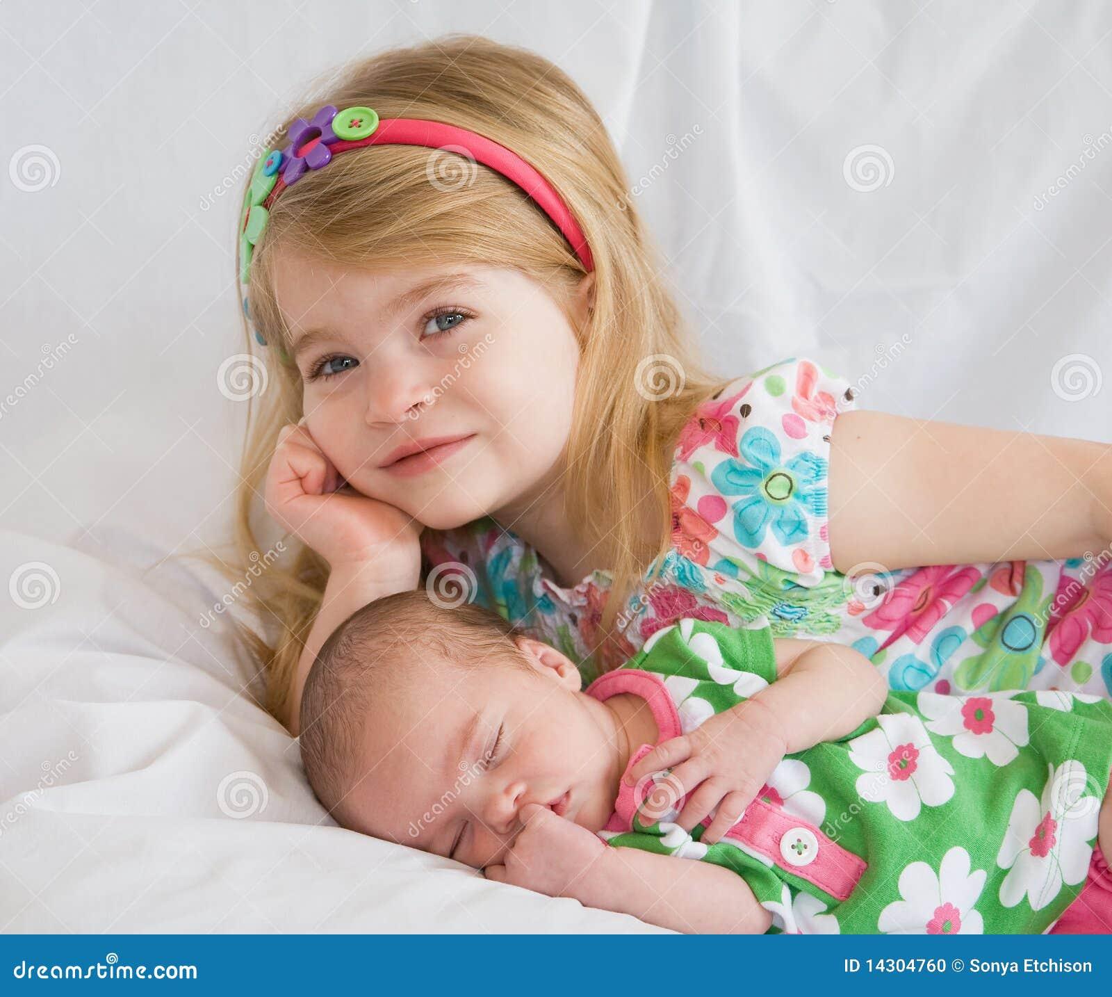 Я и моя маленькая сестричка 18 фотография