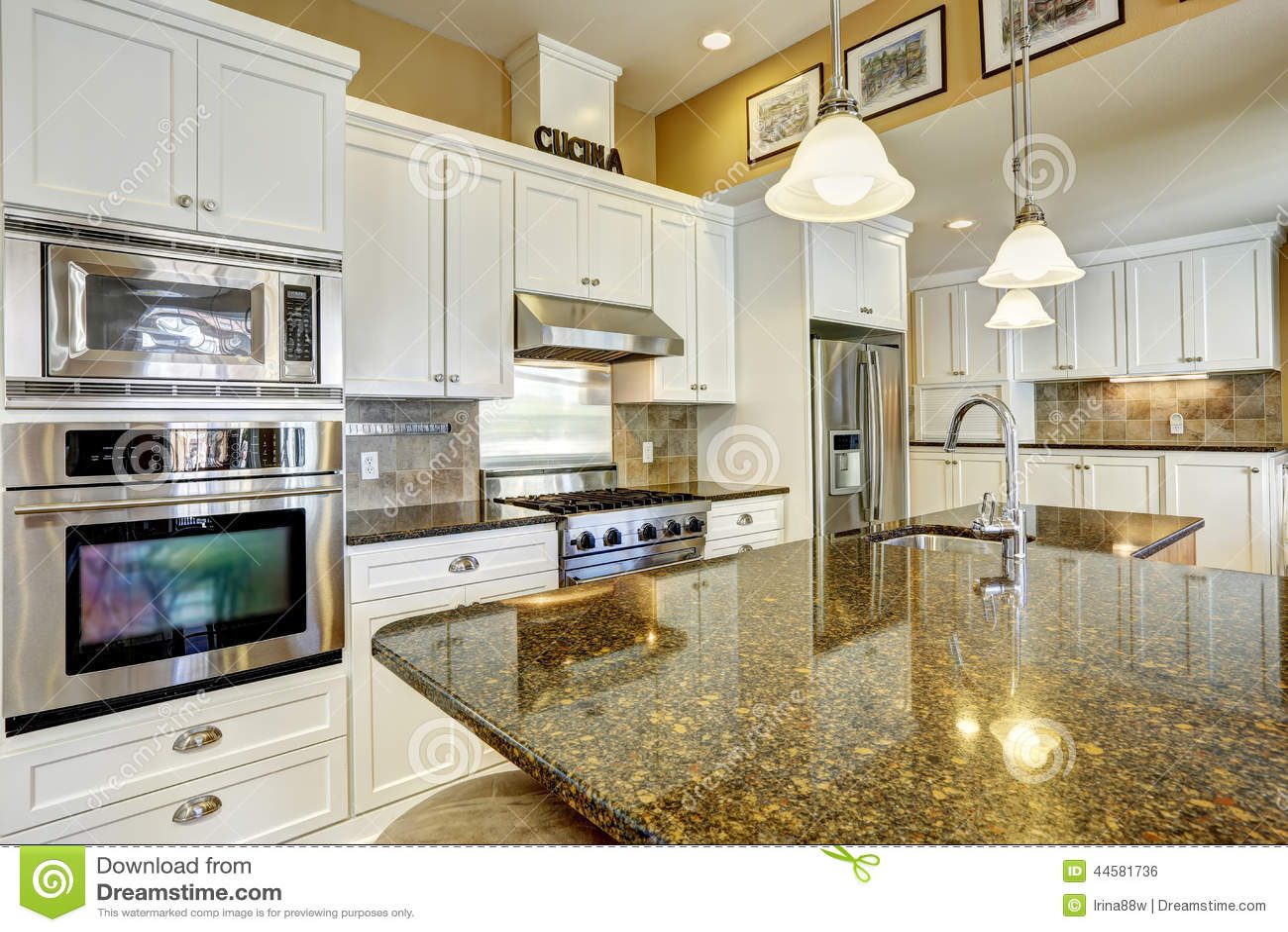 Cocinas Blancas Con Granito Cocina Clasica Unica Isla