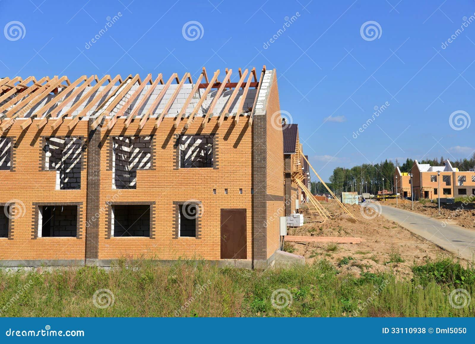 Sito in costruzione del mattone con la pietra e il concret for Come pianificare la costruzione di una casa