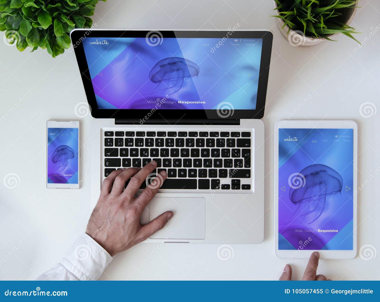 Tavolo Di Ufficio : Sito web rispondente fresco da tavolo di progettazione dell