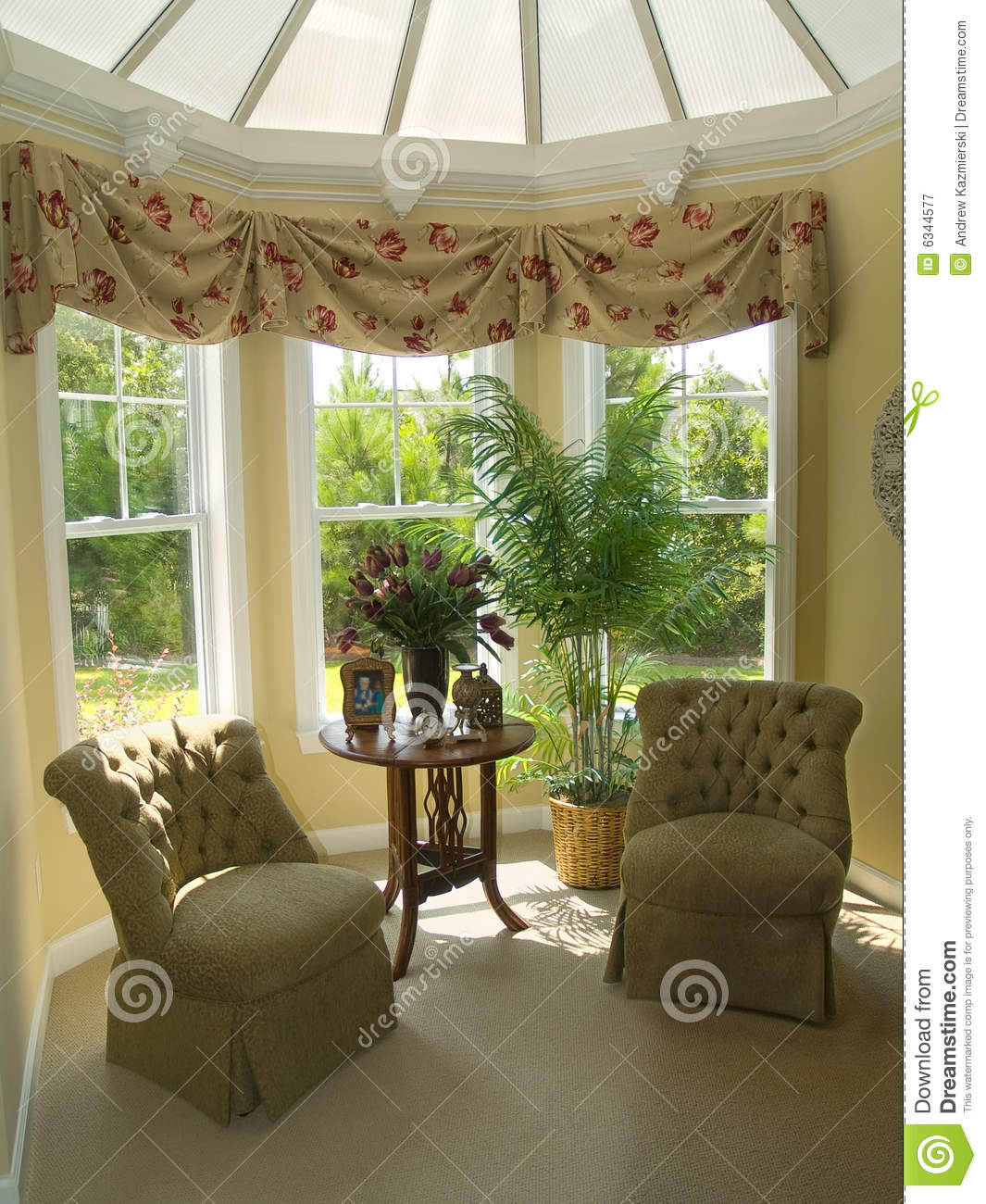 Sitting area royalty free stock photography image 6344577 for Well decorated bedroom