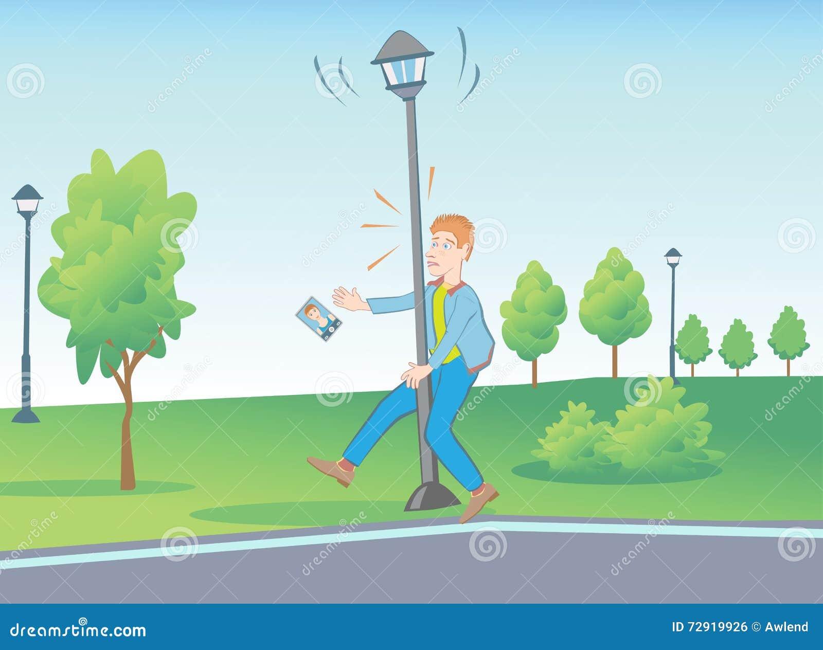 Situaciones inusuales en el parque con la lámpara de calle