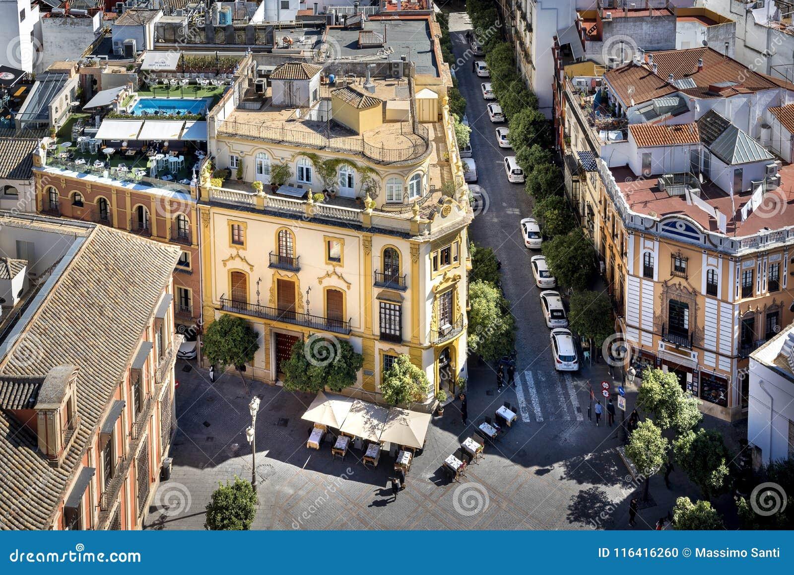 Siviglia - vue de Plaza Virgen de los Reyes du haut de la tour de Giralda l espagne