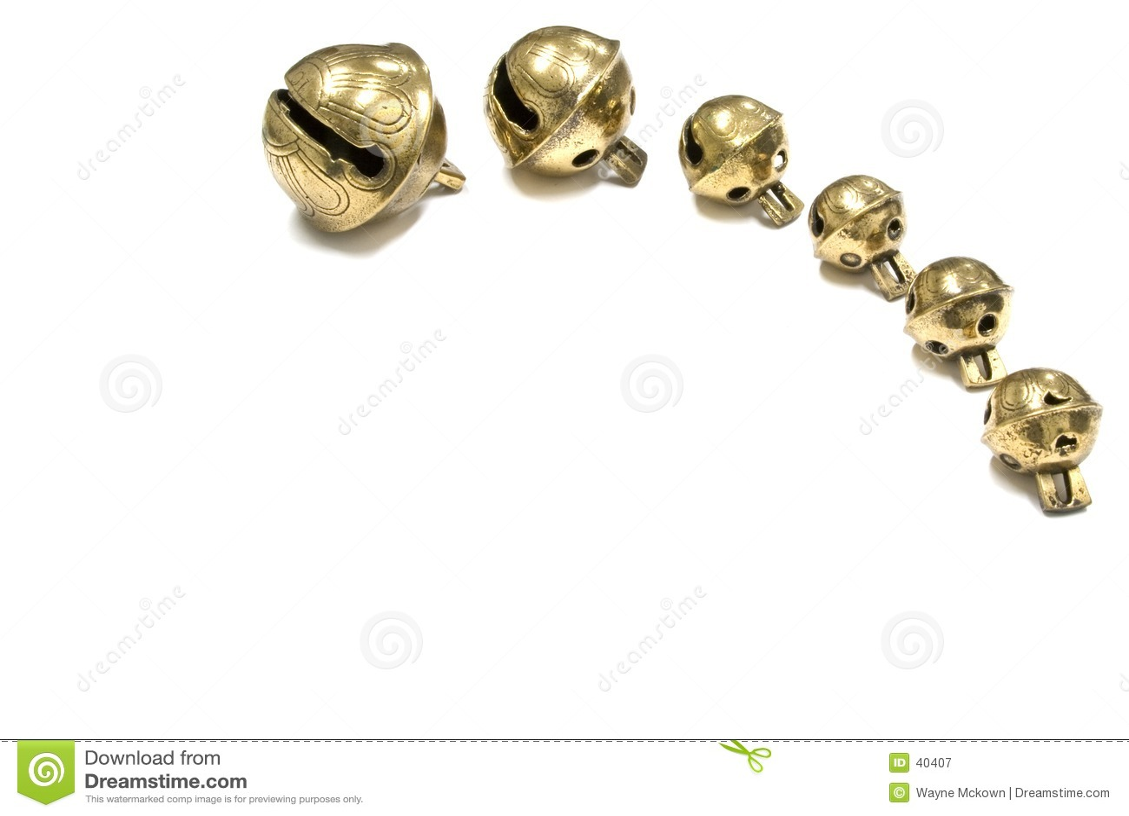 Six cloches de traîneau antiques.