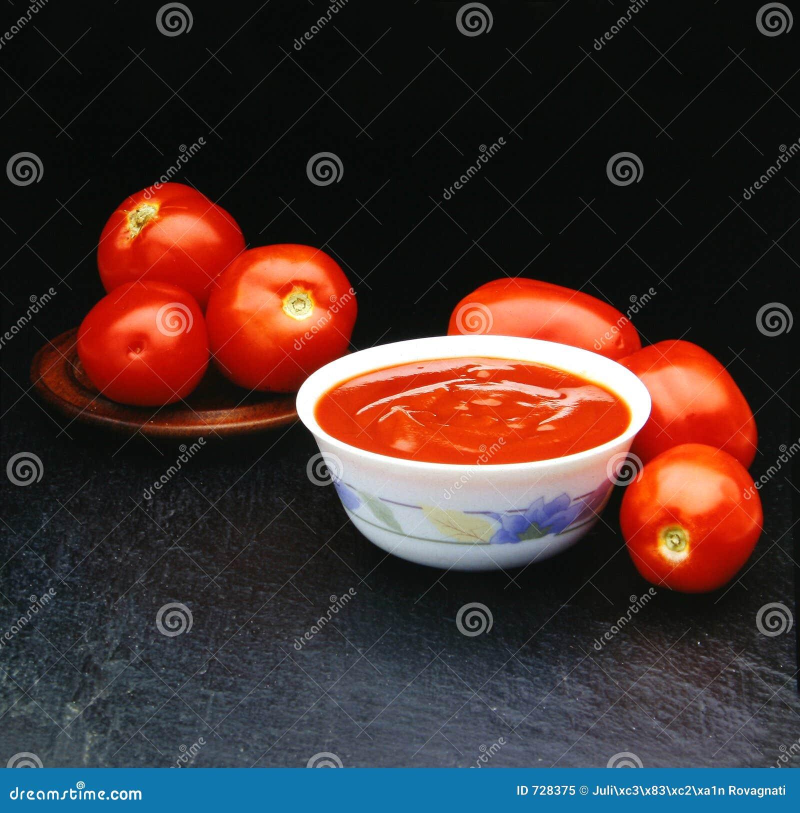Six tomates de tomates pour un souce