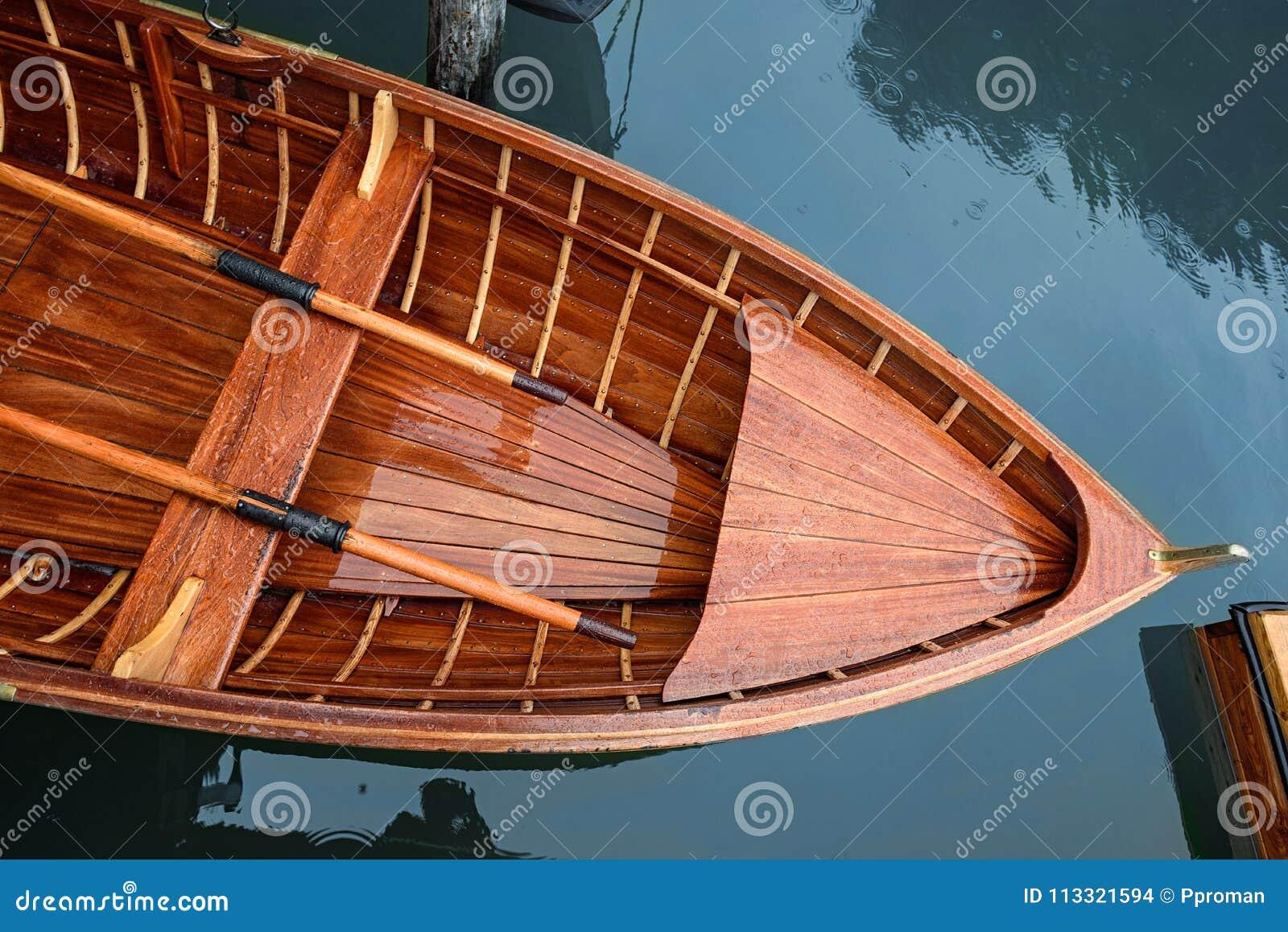Sjö med fartygberget