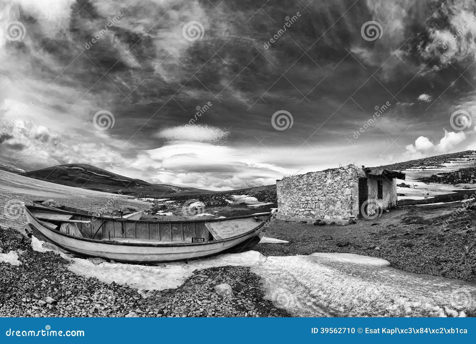 Sjö- och fartygsolnedgång