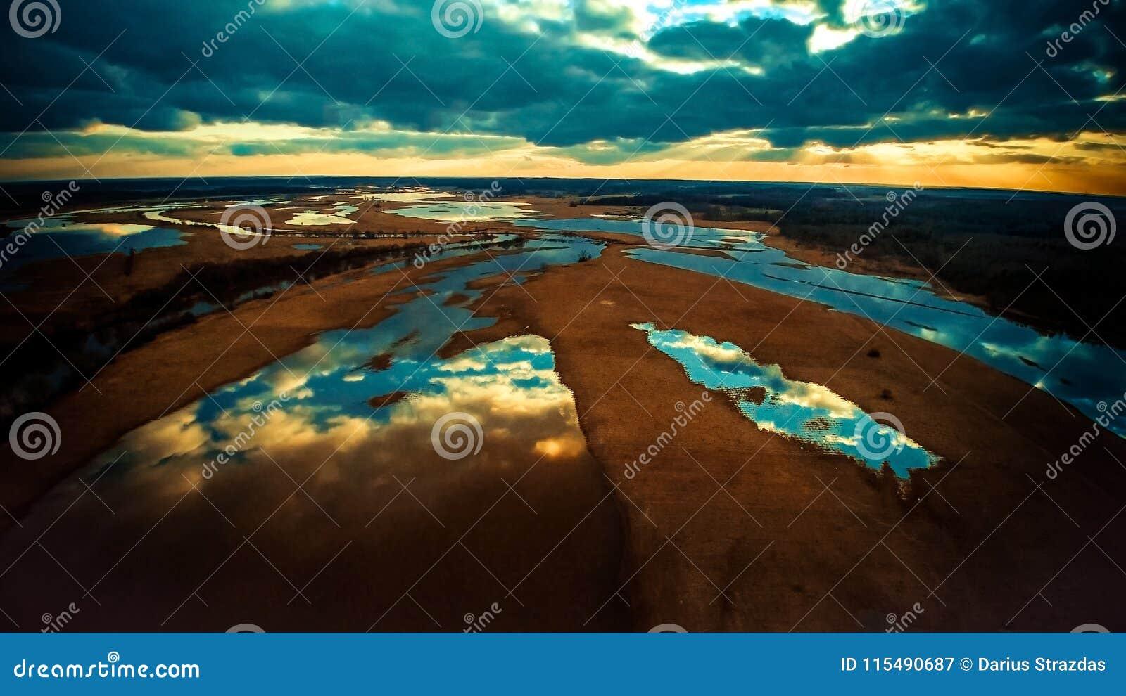 Sjöar sceniskt landskap, flygbild