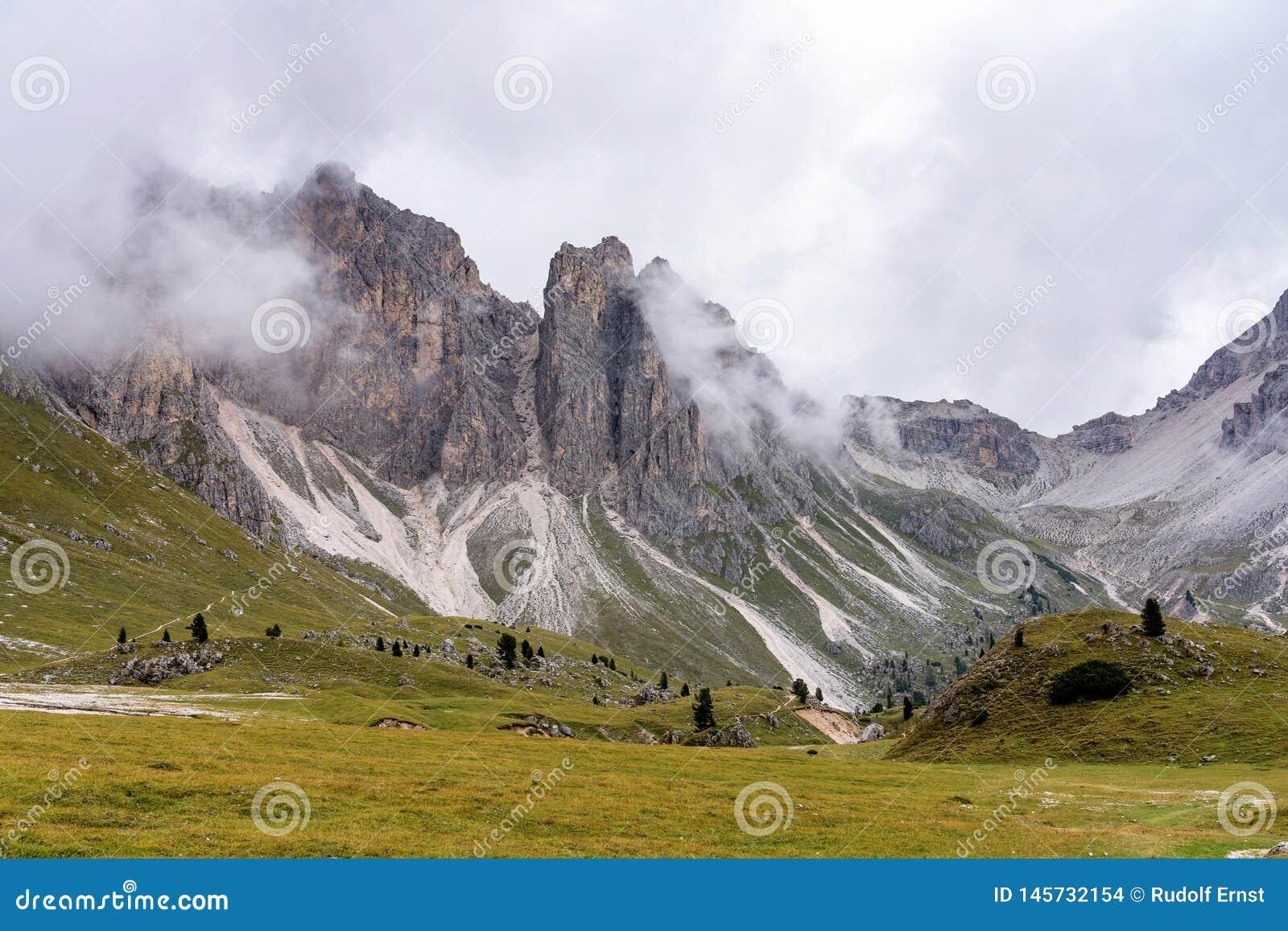 Sj? Santa Caterina eller Auronzo sj? i landskapet av Belluno, Italien