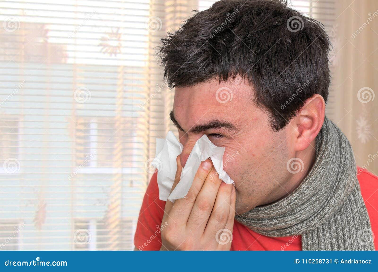 varför nyser man förkyld