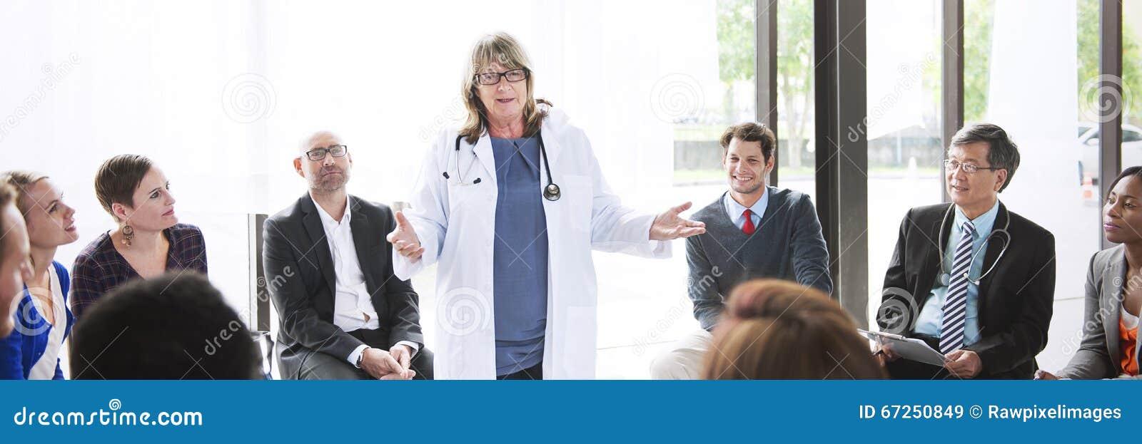 Sjukvårdbegrepp för doktor Meeting Teamwork Diagnosis
