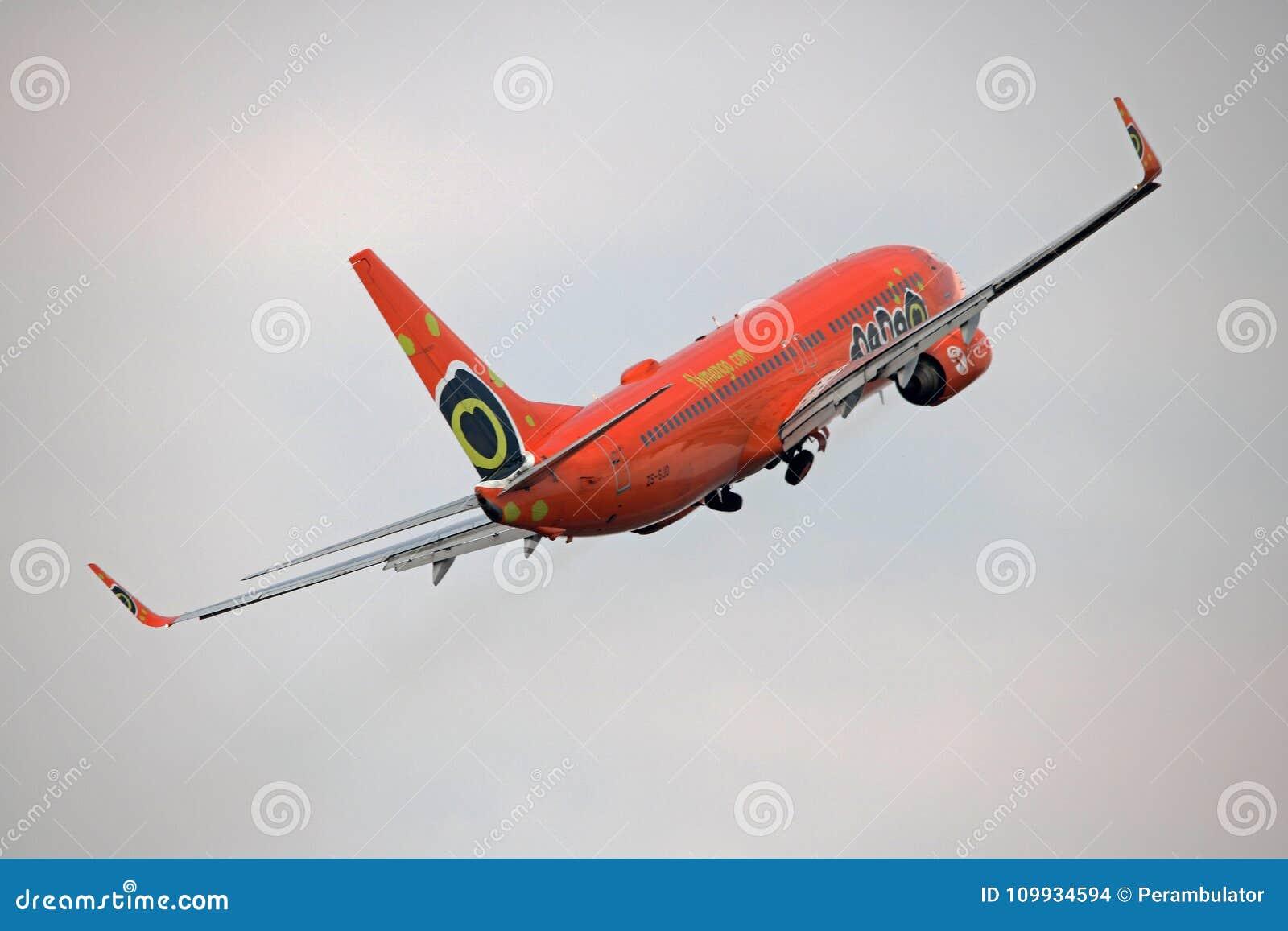 SKÄRM FÖR MANGO B-737 PÅ AIRSHOW