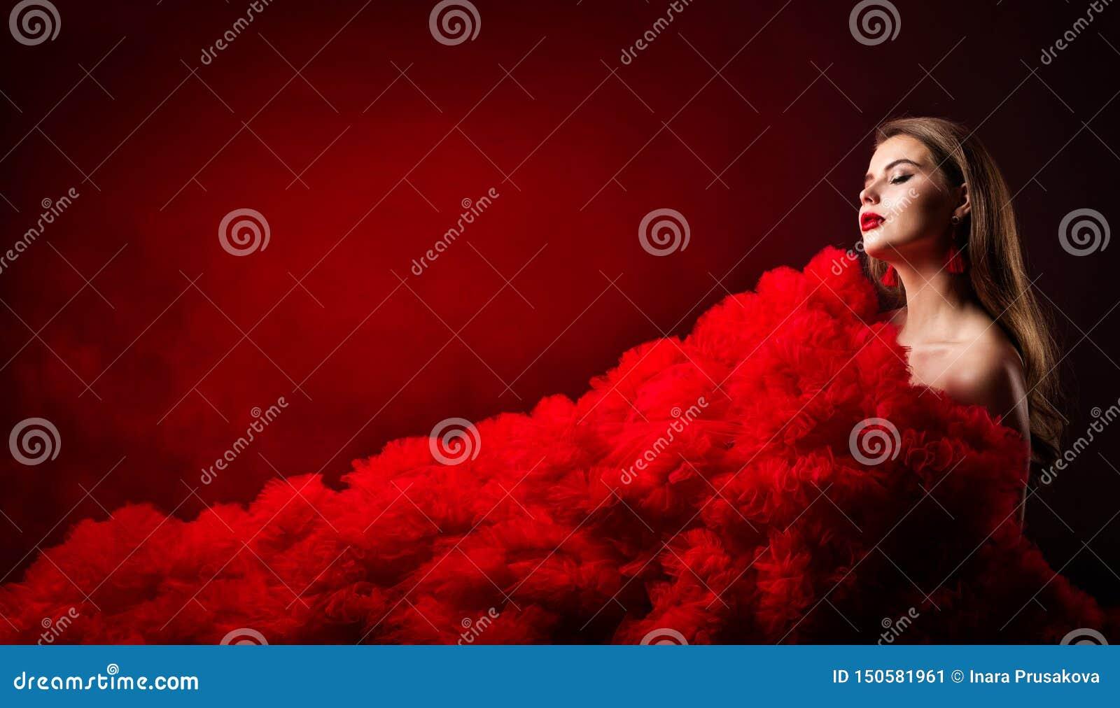 Skönhetstående, glamourmodemodell Style, härlig kvinna i röd torkdukeklänning