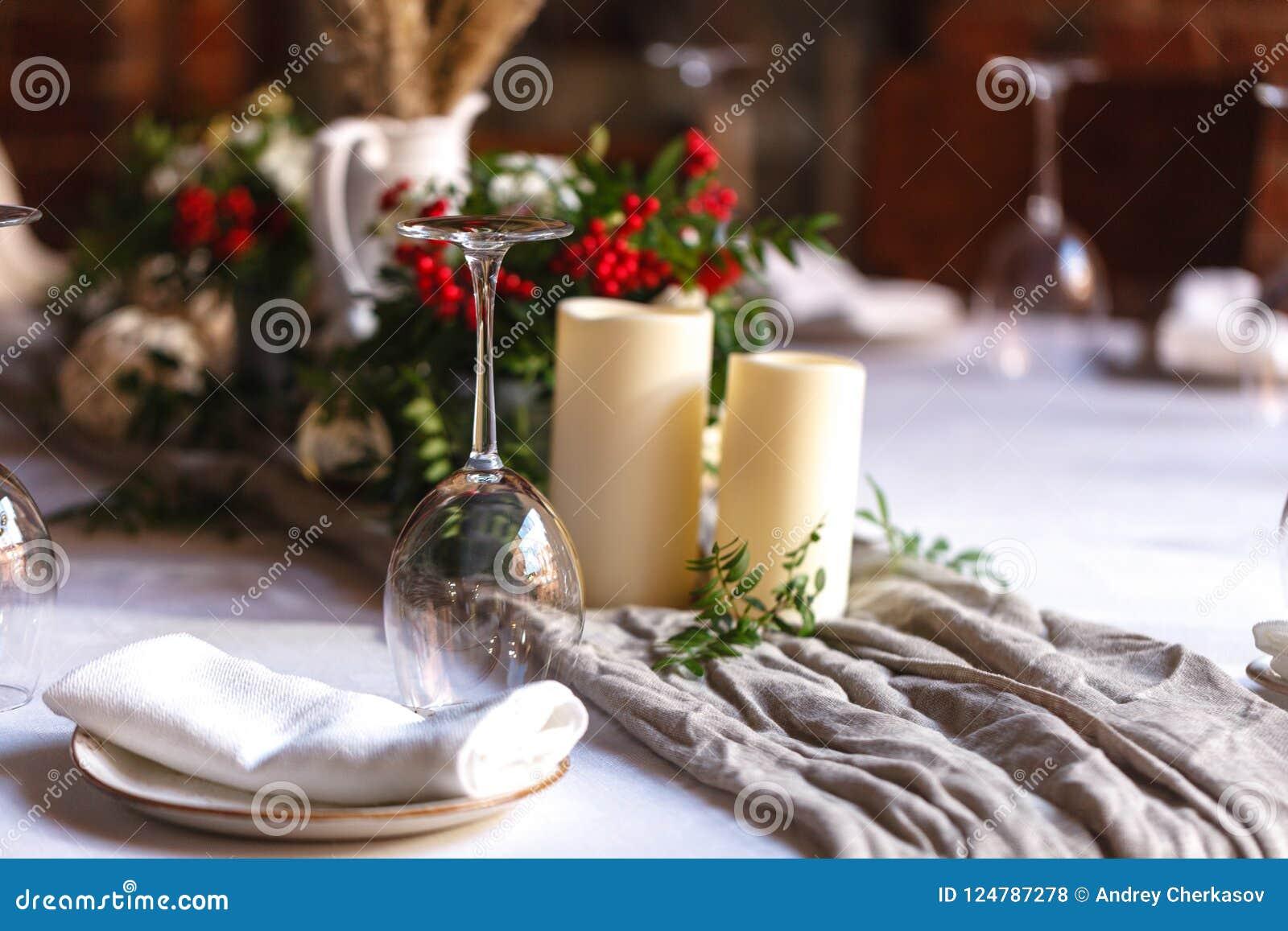 Sköta om service för bröllophändelseplatta