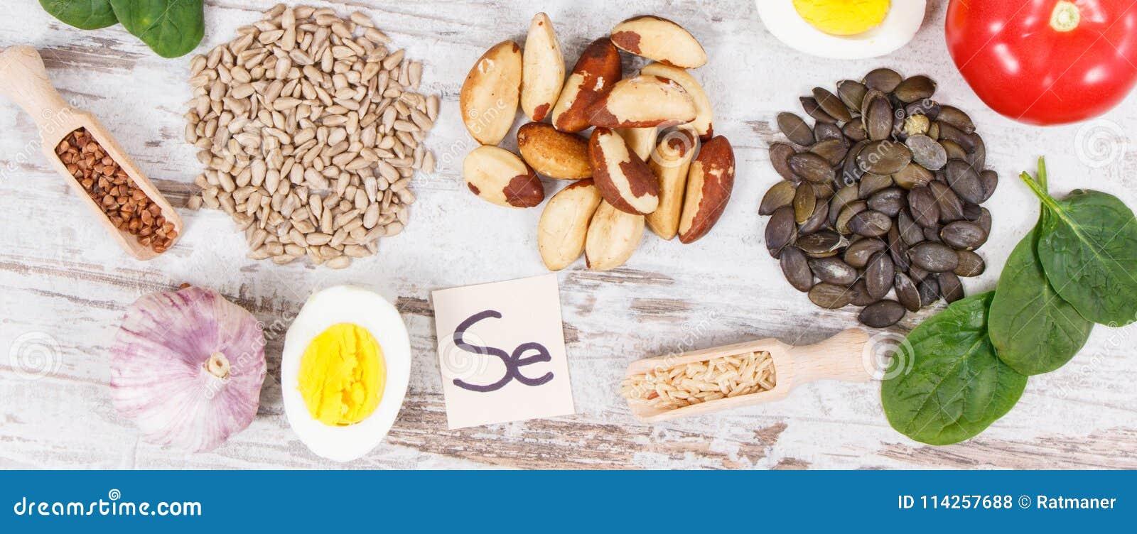 Składniki lub produkty jako źródło selen, witaminy, kopaliny i żywienioniowy włókno,