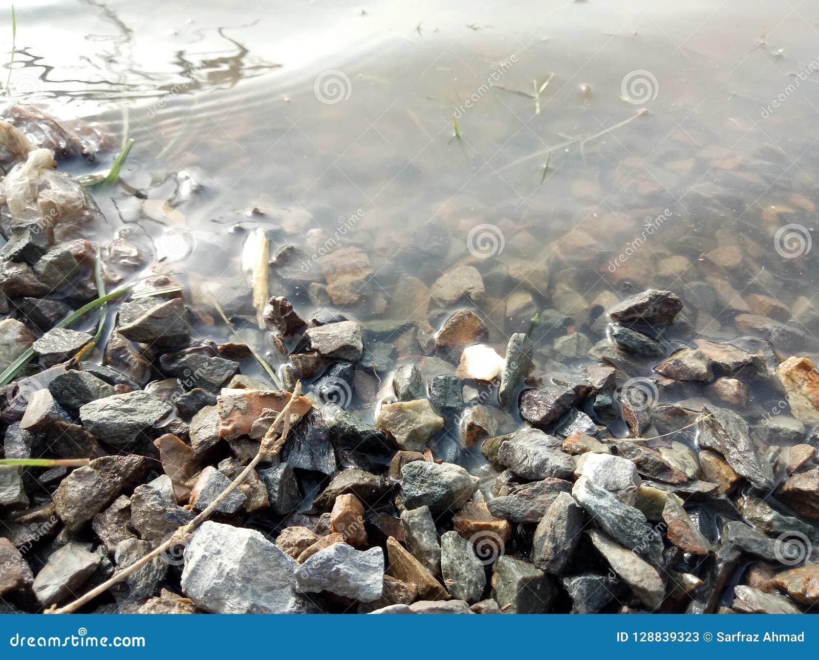 Skały przerwy erozja & wody Runoff n