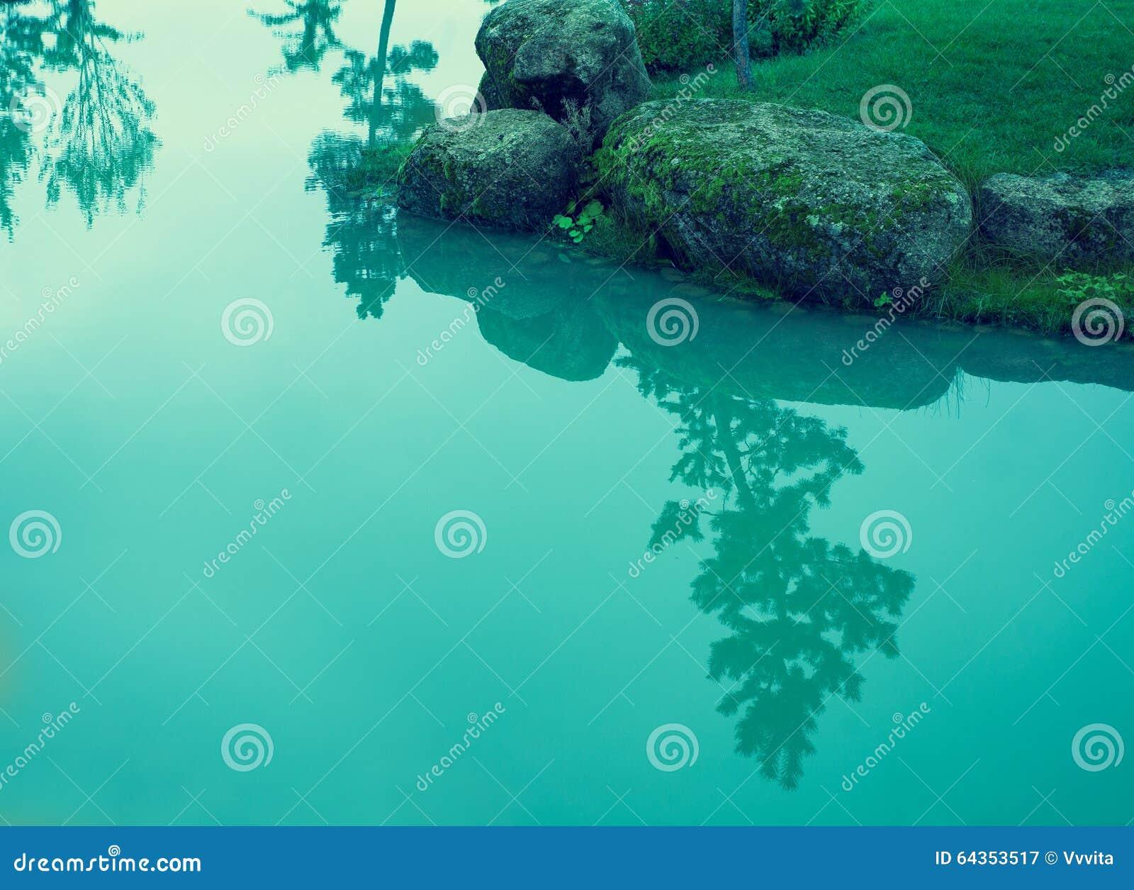 Skalisty brzeg rzeki