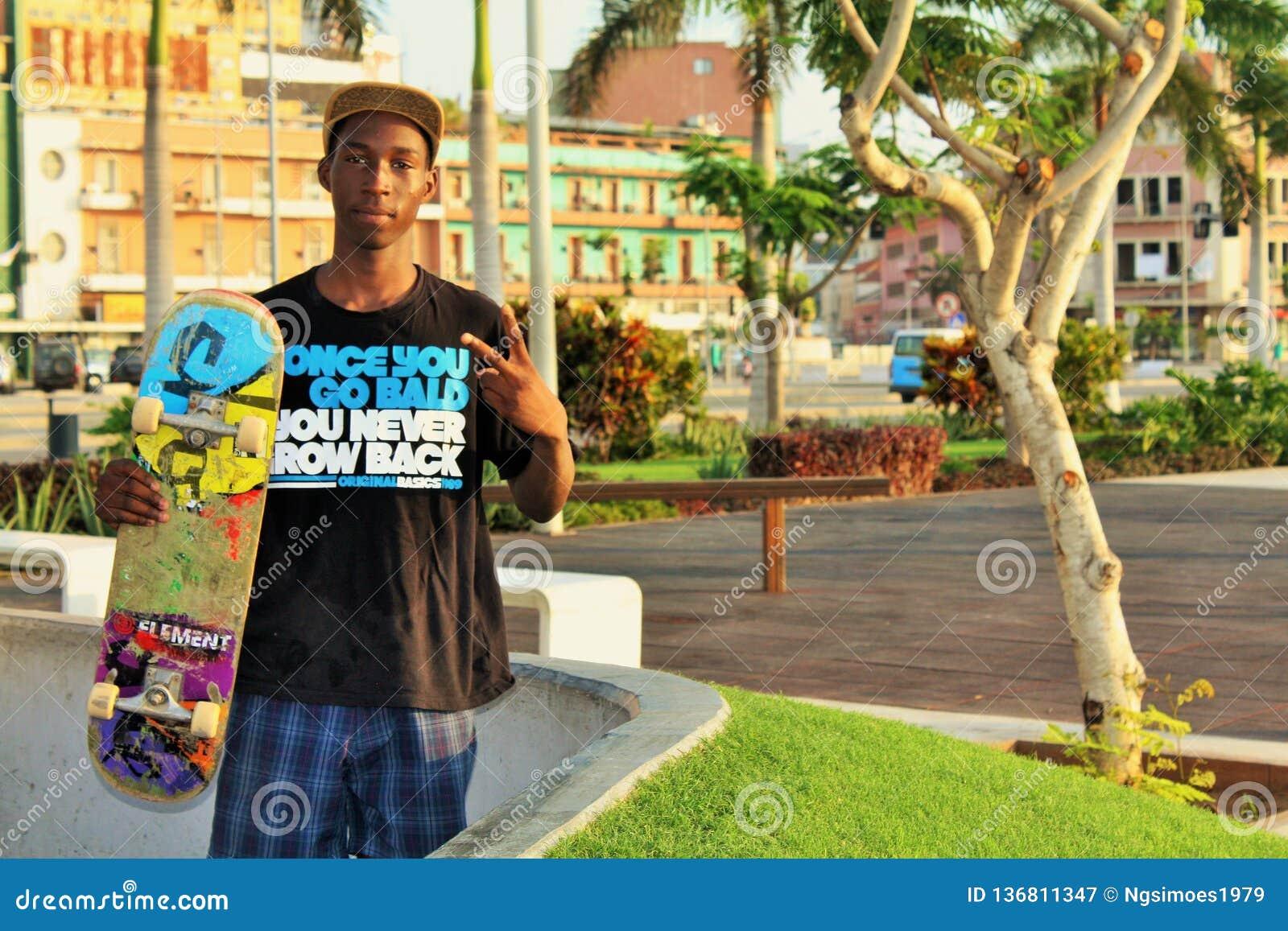 Skateboradåkare från Luanda Angola