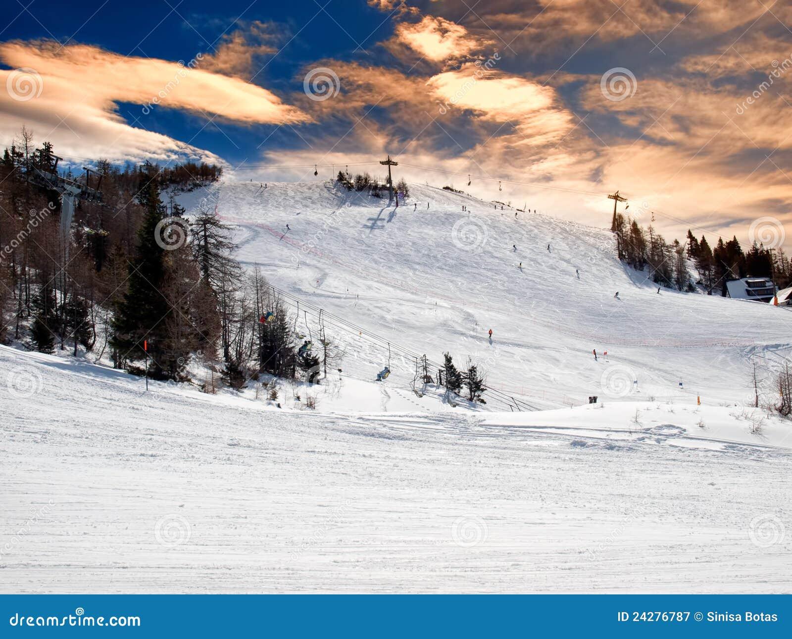 Ski resort royalty free stock photography image 24276787 for Moderne skihotels