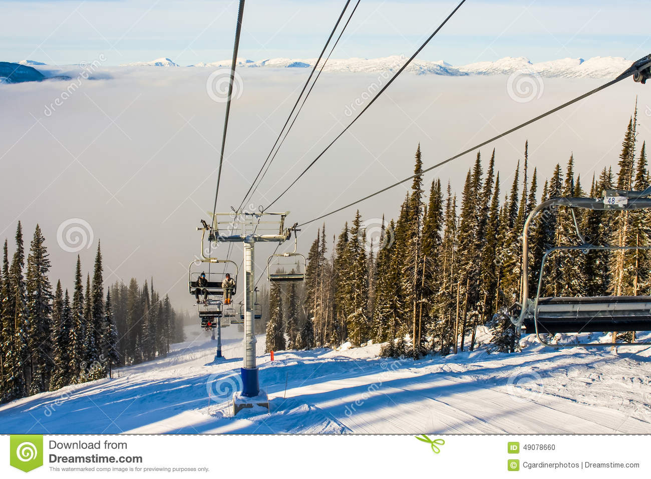 Ski Resort Chairlift in de Winter