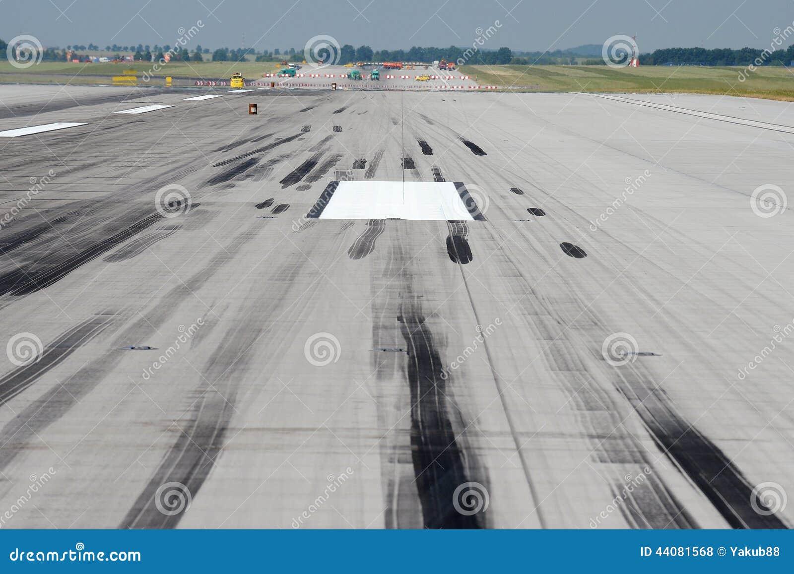 skid marks on runway stock photo image of marks traveling 44081568