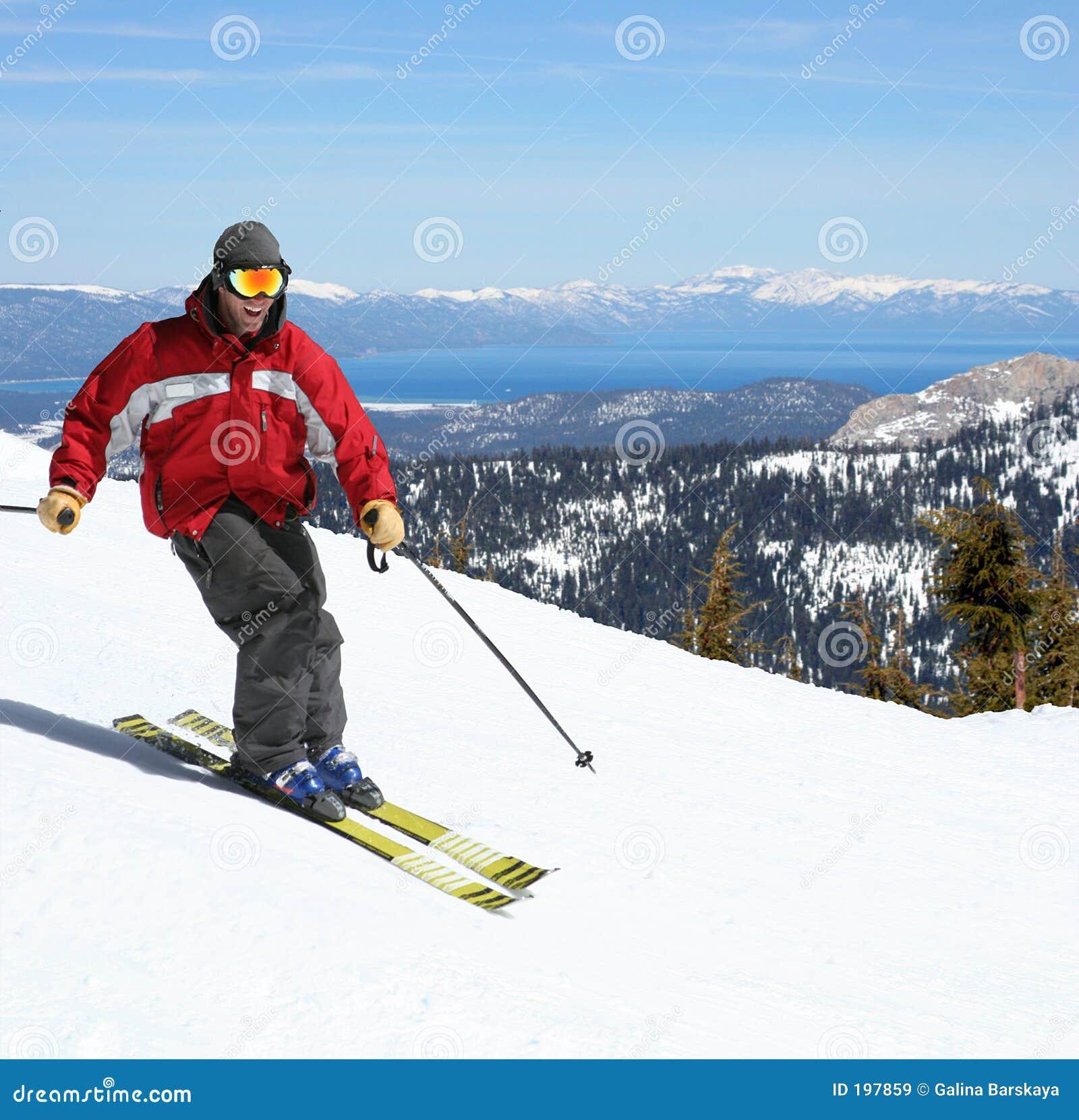 Skieur sur une pente