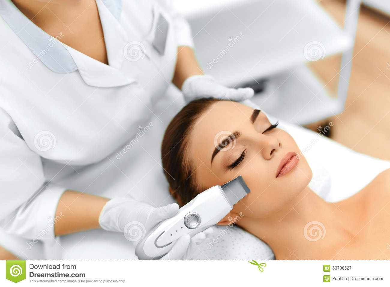 Skin care ultrasound cavitation facial peeling skin for A trial beauty treatment salon