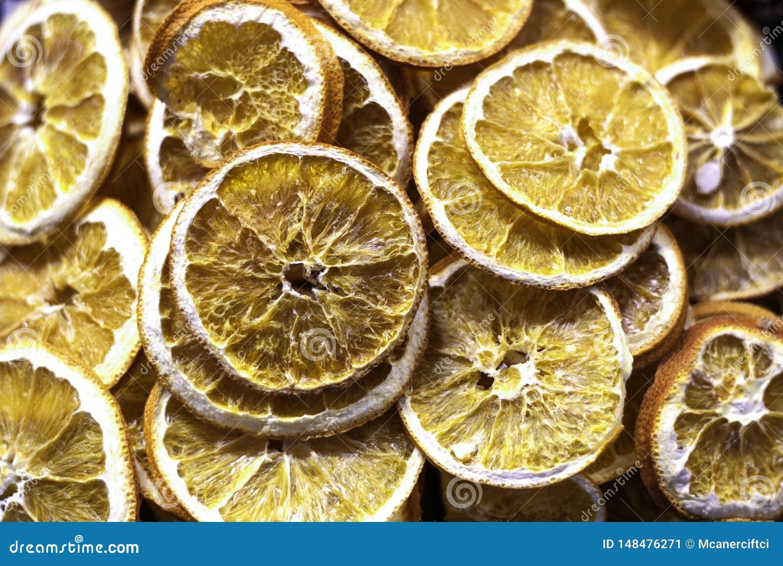 Skivor av den torkade citronen