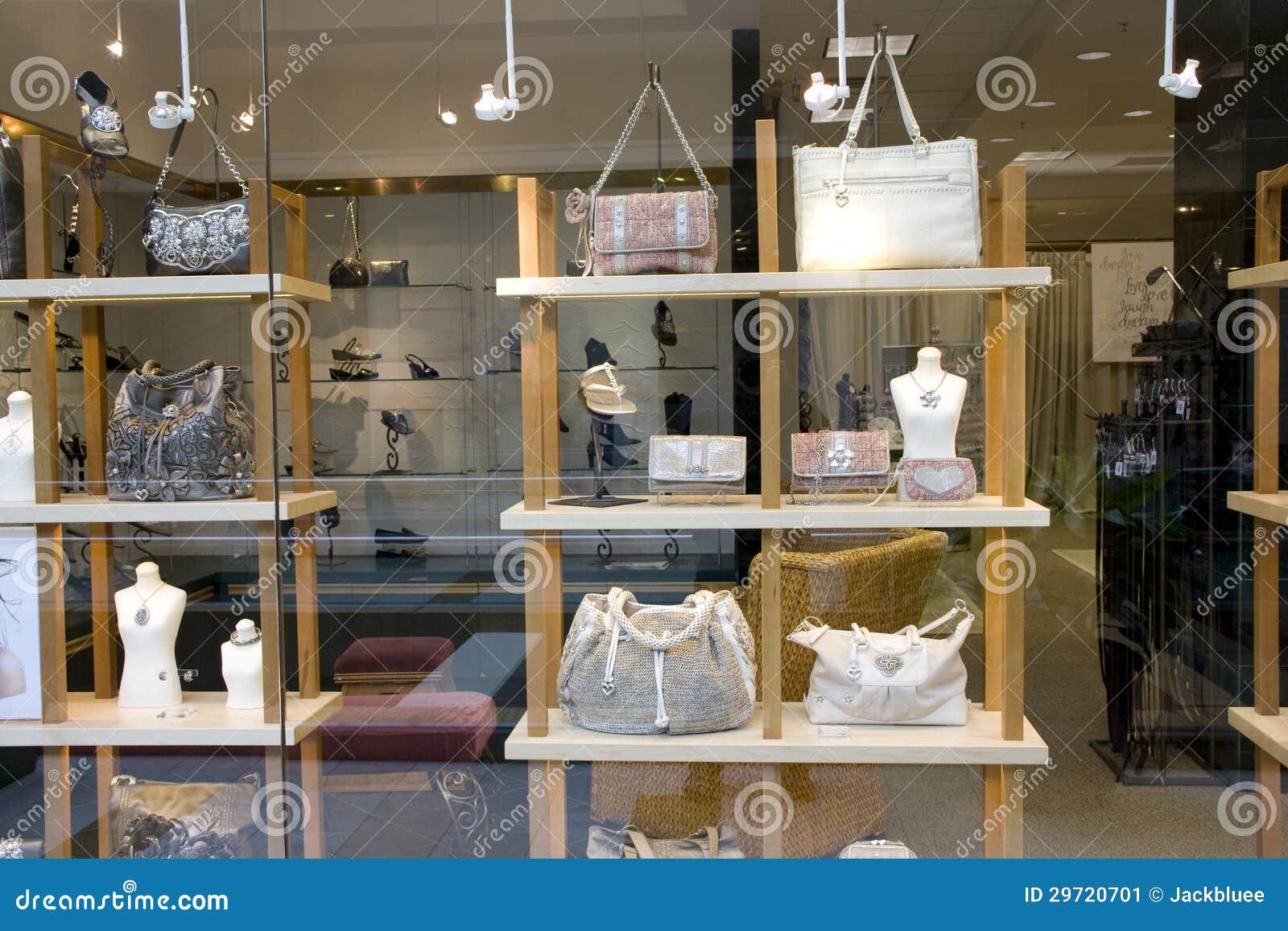 Kiesa i obuwiany sklep