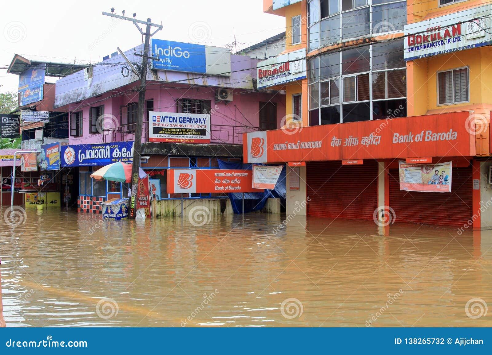 Sklepy i budynki zanurzający w wodzie powodziowej