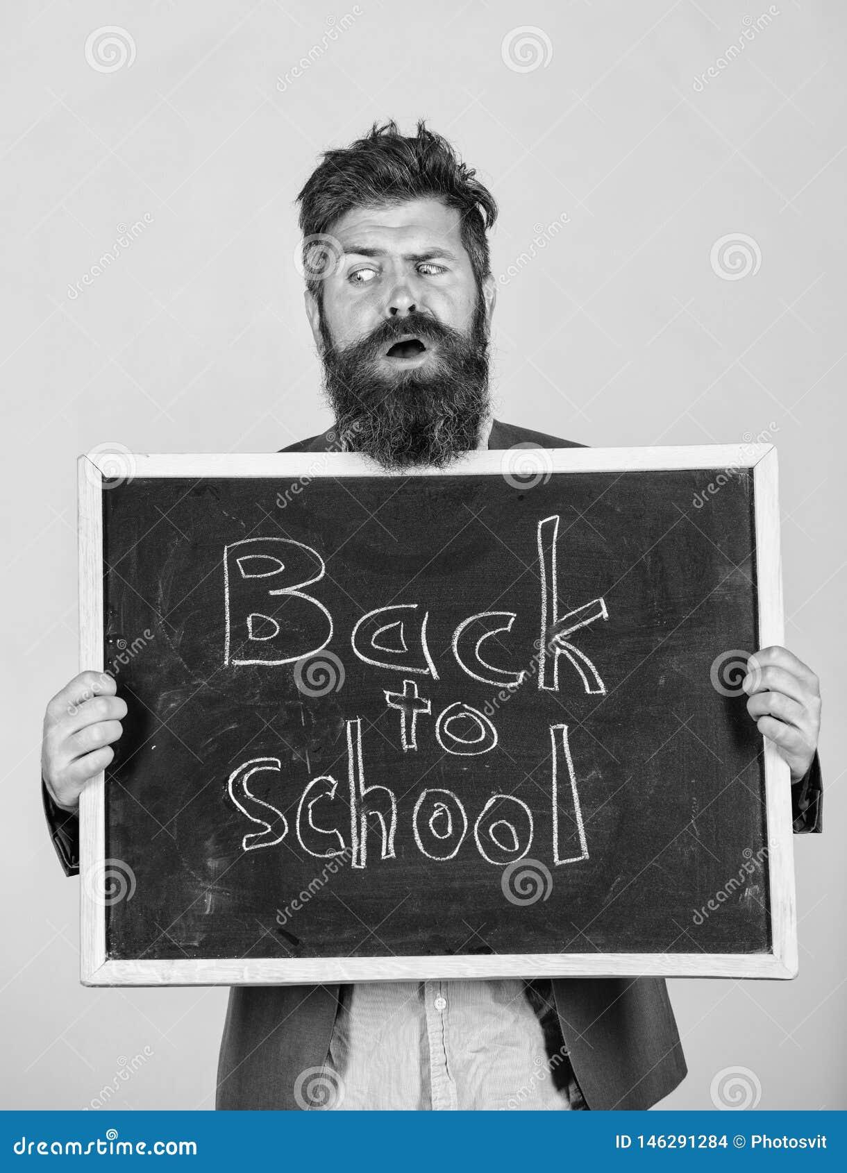 Skolan och l?raren v?ntar p? dig L?raren annonserar tillbaka till att studera, b?rjar skol?ret L?rare eller sk?ggig utbildare